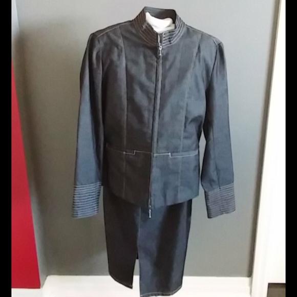 Jean looking midi skirt suit